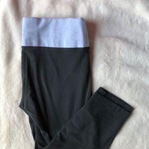 VS PINK Cropped Leggings